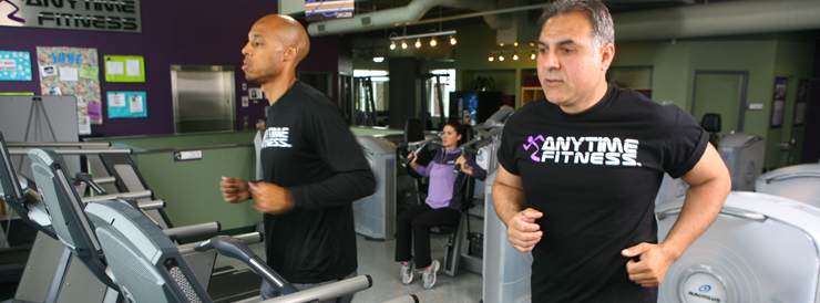 gym-etiquette-dos-donts-anytime-health